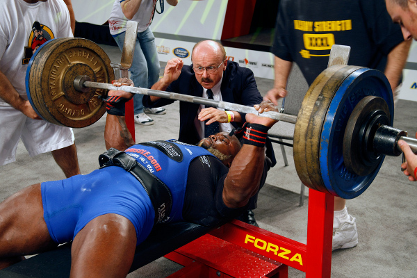 power-lifting benchpress